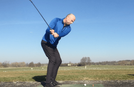 How Long Should You Keep Your Arms Connected — Golf Beginner